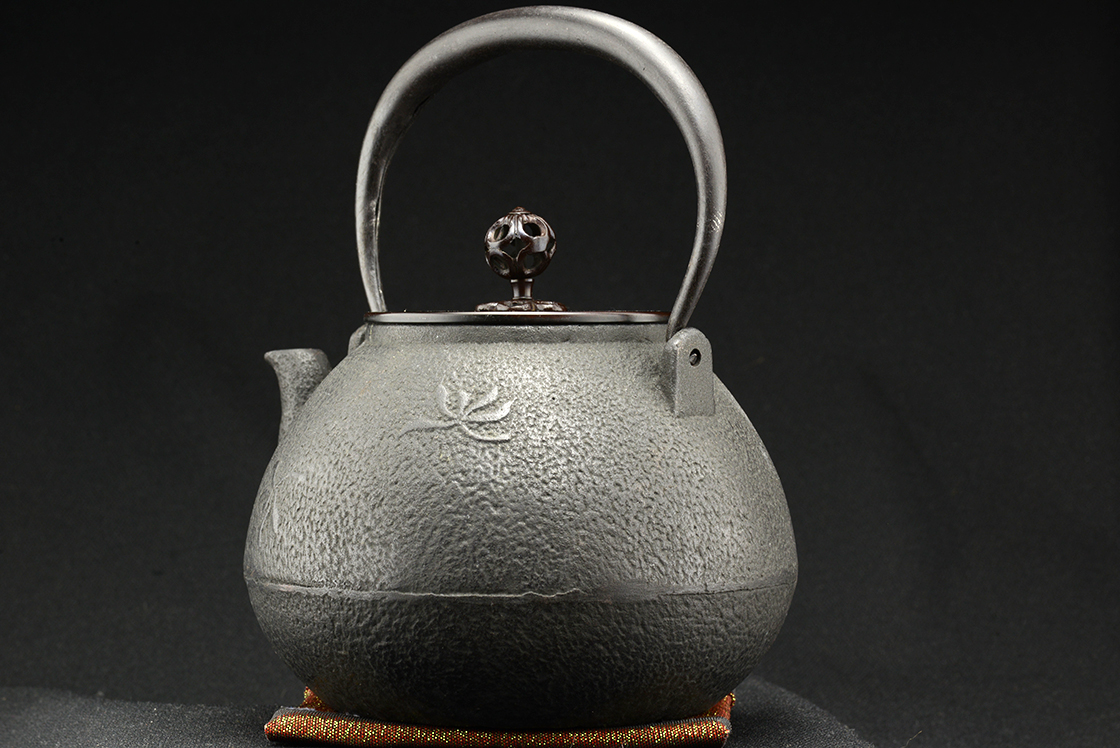 chokan japanese cast iron tetsubin tea kettle