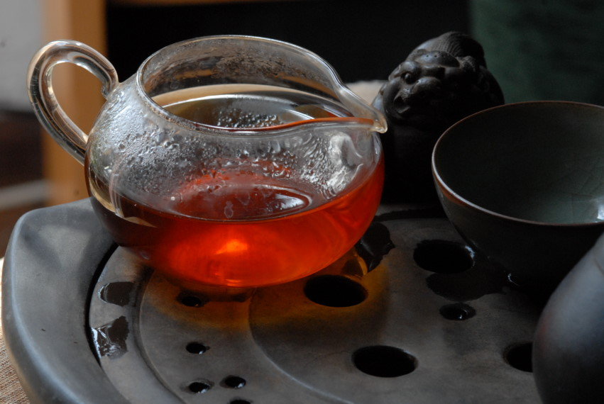 1999 menghai purple dayi sheng puerh tea